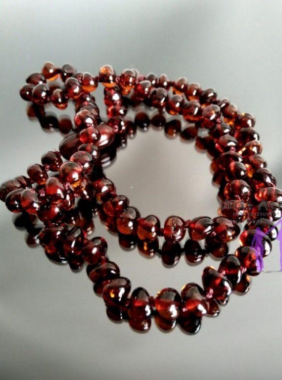 f6dcb042ec83 Collar de ámbar corto cereza pulido - Vega Aceña